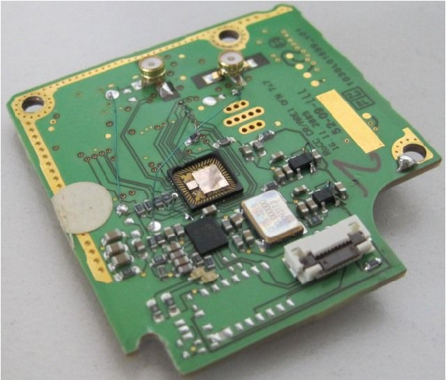 77 GHz automotive radar sensor in low-cost PCB technology